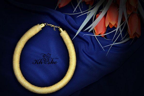 004 2 595x397 - گردنبند دستبافت منجوق بافی (طلایی یکدست کد : 01GLDSP)